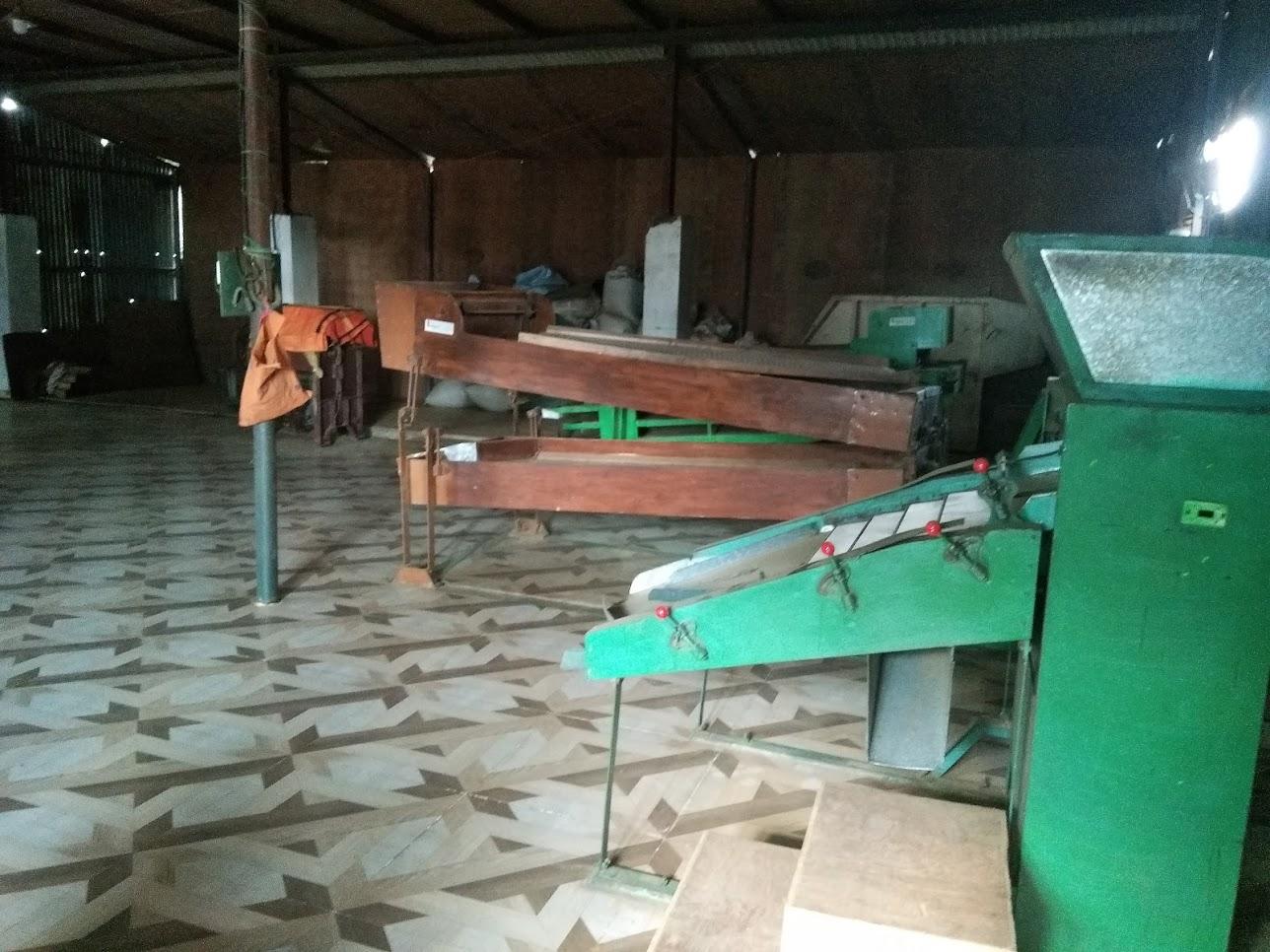 茶工場内部