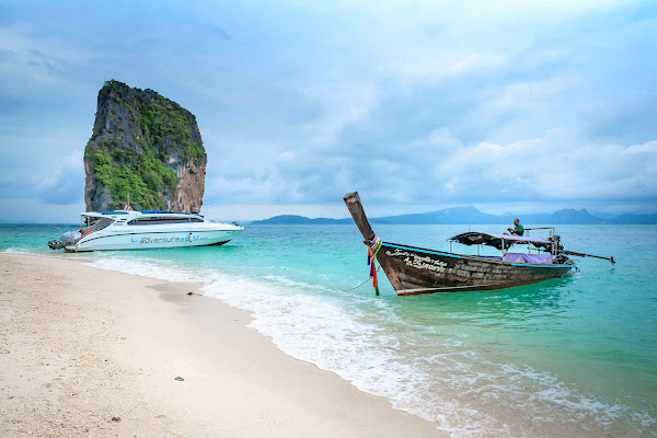 Visit Poda Island in the 4 Island archipelago in Krabi