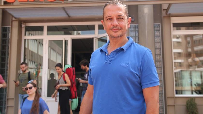 Javier Rovira, durante la entrevista, en Almería