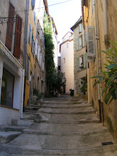 Photo: Fayence is a perched hillside town, with the opportunity to walk up for some panoramic views.