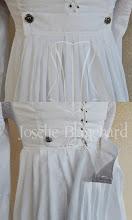 Photo: Vestido Império com calda em cambraia de algodão poá, forro em tricoline de algodão e renda de algodão aplicada.  Site: http://www.josetteblanchard.com/  Facebook: https://www.facebook.com/JosetteBlanchardCorsets/  Email: josetteblanchardcorsets@gmail.com josetteblanchardcorsets@hotmail.com