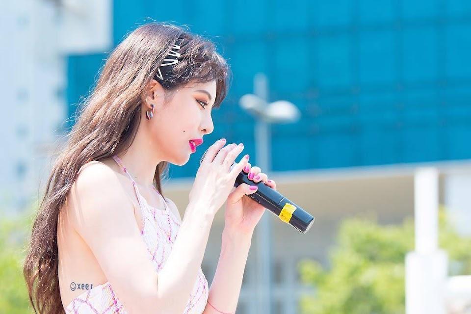 Hyuna-01