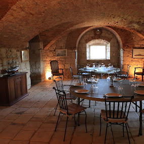 Dinner with kings from Vis by Augustin Anic - Buildings & Architecture Other Interior ( croatia, summerland, restaurant, sun, island )