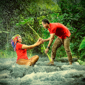 Playing Water by Zackde Lubis - People Couples ( #tematikphotography, #prewedding, #conceptualphoto, #zackdephotography, #water, #river, #rain, #hdrphoto )