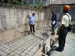 Photo: Février 2011 : Contrôle du ferraillage de la dalle de la fosse septique