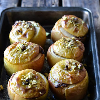 Baked Christmas Apples filled with Pistachios & Date 'Marcipan'.