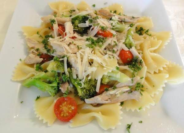 Chicken And Broccoli With Bow Tie Pasta Recipe