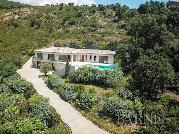 Villa 7 pièces 265 m2