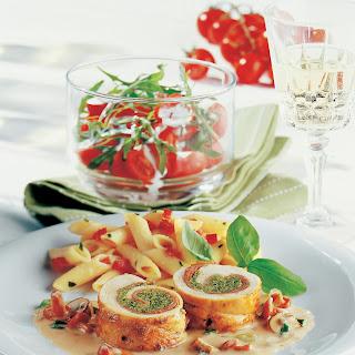 Hühnerröllchen gefüllt mit Pesto und Pilzen
