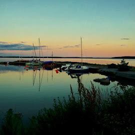 Harbour silence by Alf Winnaess - Uncategorized All Uncategorized