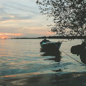 alone by Nur Saputra - Landscapes Sunsets & Sunrises ( kano, 1000island, sunset, ship, boat )