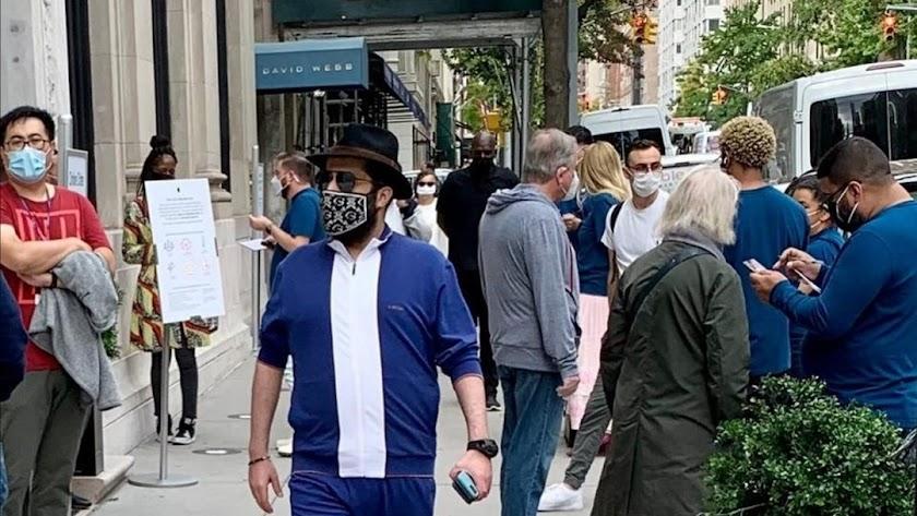 Turki Al-Sheikh paseando por Manhattan.