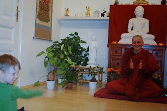 Photo: zpívání buddhistických písní - singing buddhist songs