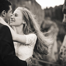 Wedding photographer Anna Antonishin (antonyshyn). Photo of 01.10.2015