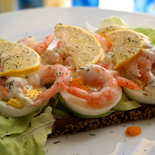 Healthy snack/breakfast/lunch/dinner: Prawn toast with dill mayonnaise, salad, egg with lemon recipe .