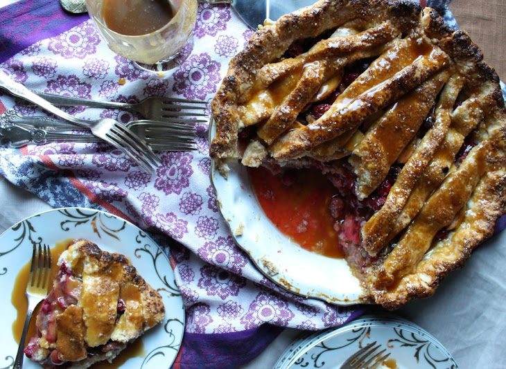 Cranberry Pear Pie with Caramel Recipe