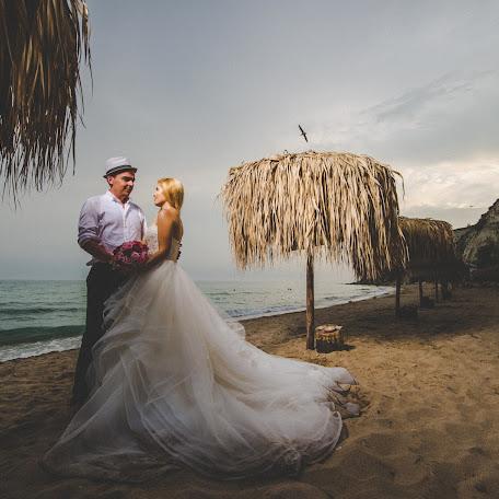 Wedding photographer Borislav Danchov (Luminar). Photo of 05.10.2017