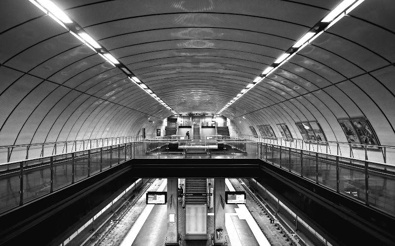 Metro station di Massimiliano_Montemagno