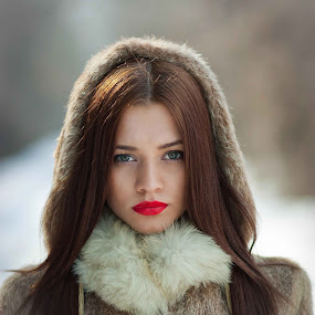 SOFIA.III. by Daniel Kitu - People Portraits of Women ( model, winter, girl, feminine, portrait )