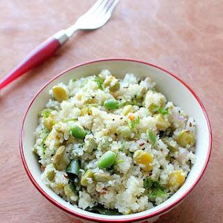 Avarekalu Akki Tari Uppittu | Rice Rava Upma with Flat Beans