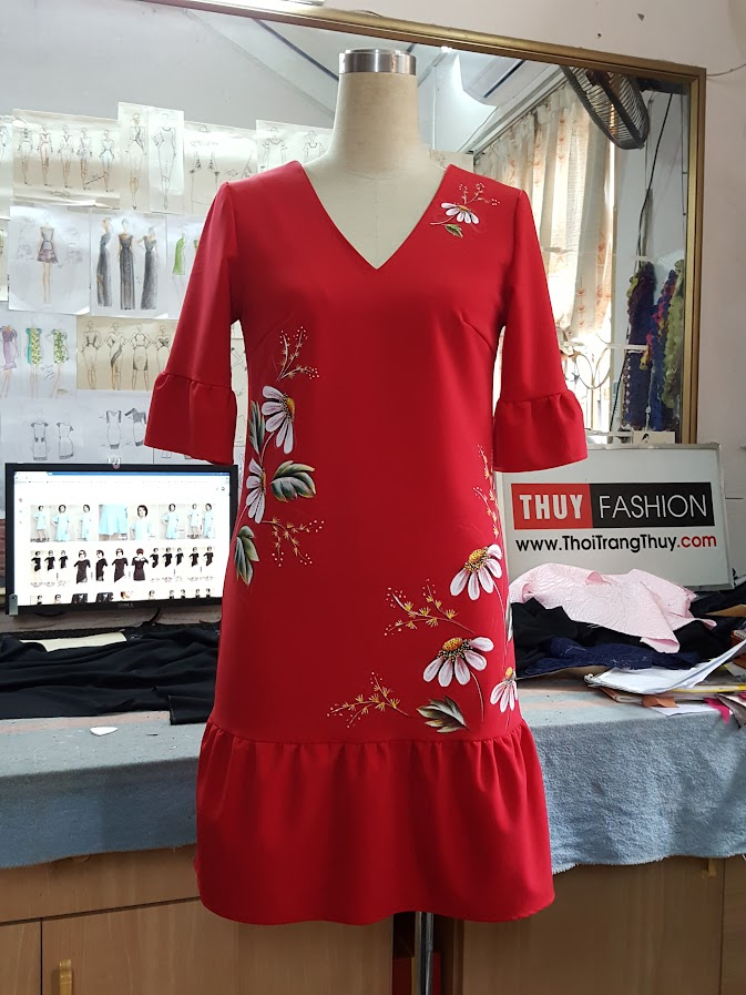 Váy vẽ tay màu acrylic họa tiết hoa V387 Thời Trang Thủy