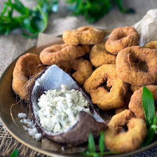Indian Rice Doughnuts with Fresh Coconut Chutney