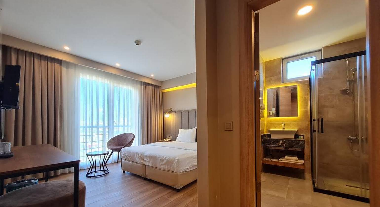 Airboss Hotel