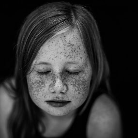 Freckles by Corine de Ruiter - Babies & Children Child Portraits ( girl, feeling, naturallight, closed, freckles )
