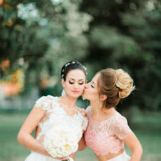 Wedding photographer Yuliya Kutafina (YuliaKutafina). Photo of 03.10.2016