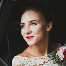 Wedding photographer Olga Smorzhanyuk (olchatihiro). Photo of 01.12.2017
