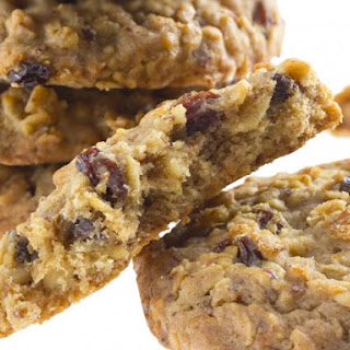 Entenmanns Fat-Free Oatmeal Raisin Cookies.