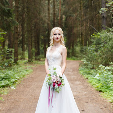 Wedding photographer Tatyana Iyulskaya (iulskaya). Photo of 01.10.2016