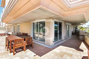 Appartement 4 pièces 166,27 m2