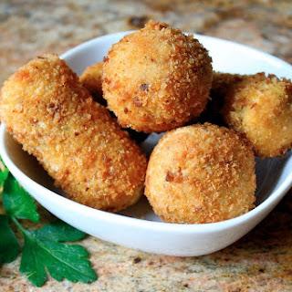 Potato Croquettes (Crispy Deep Fried Mashed Potatoes!) Recipe