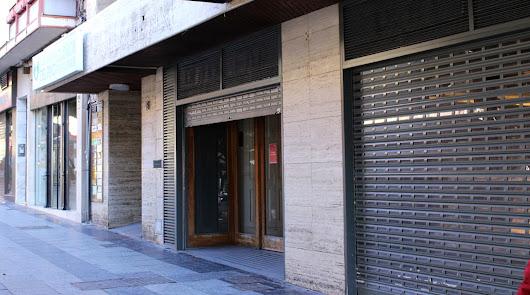 Otra tienda más echa el cierre en el Paseo de Almería