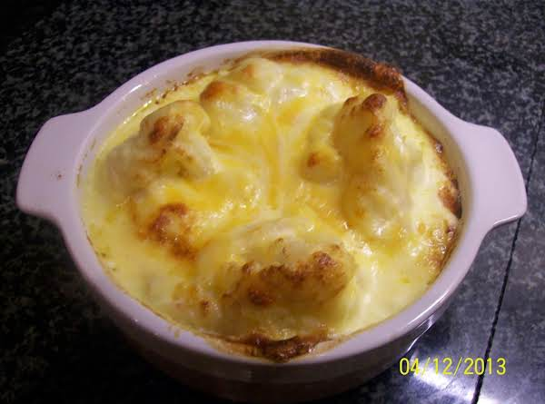 Easy Cauliflower And Cheese  Bake