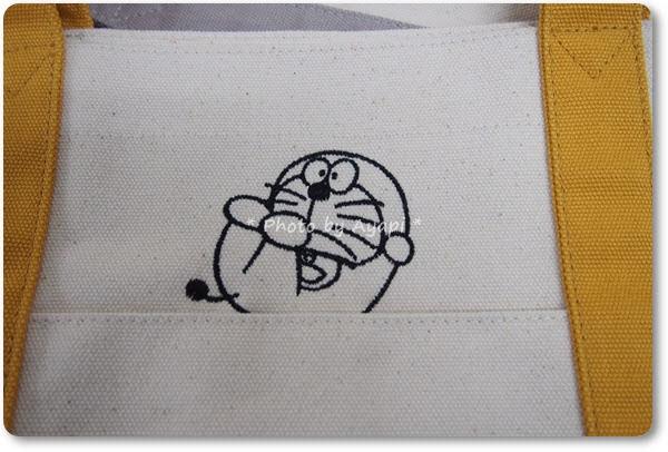 ドラえもんトートバッグ刺繍3