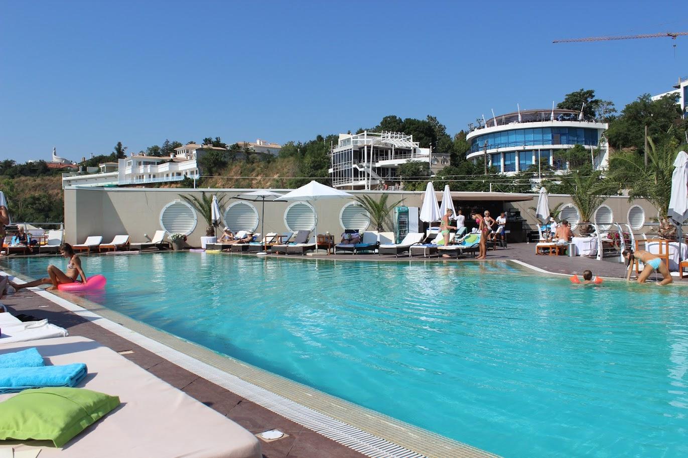 бассейн отеля Maristella Marine Residence