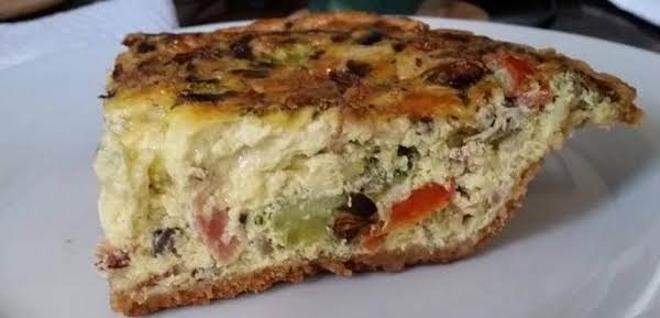 This Savory Quiche Is Hearty And A Real Crowd-pleaser!