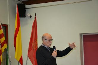Photo: 2 - Jean Marie Florès introduit la conférence