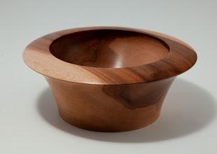 """Photo: STAN WELLBORN – 6"""" x 2.25"""" Undercut-Rim Bowl [Dogwood]"""