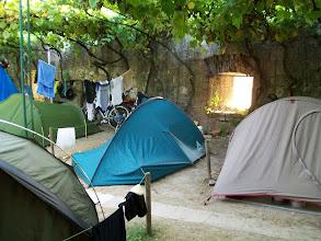 Photo: Mijn tentje bij een schietgat. Camping Verona
