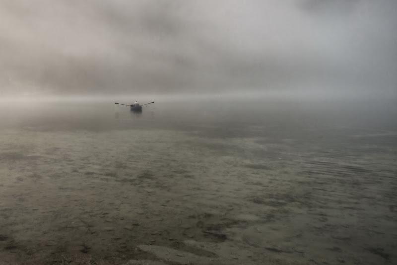 Nebbia al lago di si