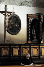 Photo: Pater im Kloster San Francesco