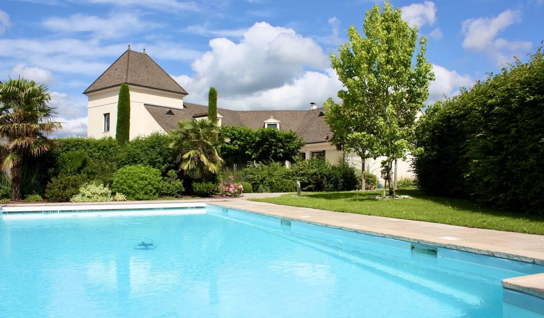 House with pool and garden Meursault