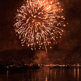 Summer Fireworks by Chris Seaton - Public Holidays July 4th ( firework display, outdoors, reflections, fireworks, night, celebration,  )