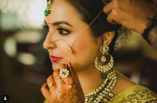Shruti-sharma-top-bridal-makeup-artists_image