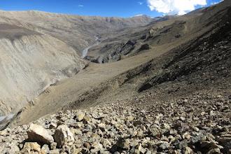 Photo: Du béquet rocheux, vue arrière sur le plateau de Damodar kunda et le Lagula qui pointe le bout de son nez...