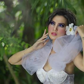 Kennova in my Eyes by Agus Stiawan - People Fashion ( - )
