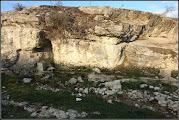 Photo: Izvoarul romanilor  - Izvorul a alimentat castrul roman Potaissa, fapt atestat prin descoperirea unor tuburi din lut ars in apropiere. - sursa foto si info impreunapentrusandulesticopaceni.  https://impreunapentrusandulesticopaceni.wordpress.com/domenii/turism/izvorul-romanilor/